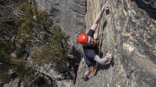 Climbing-002